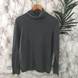 Gap turtleneck sweater